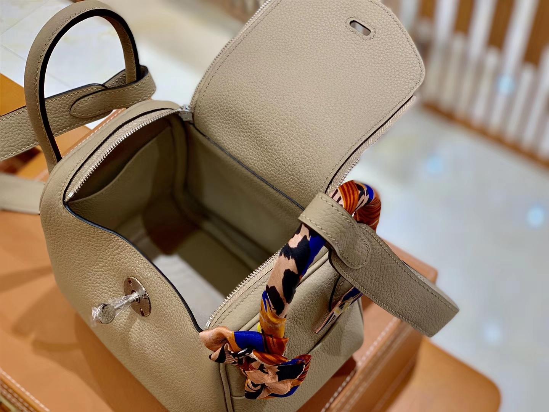 Hermès(爱马仕)Mini Lindy 迷你 琳迪包 风衣灰 18cm