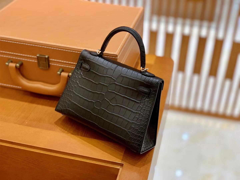 Hermès(爱马仕)Mini Kelly 19cm 经典黑 银扣 一级 美洲 鳄鱼皮 臻品级别