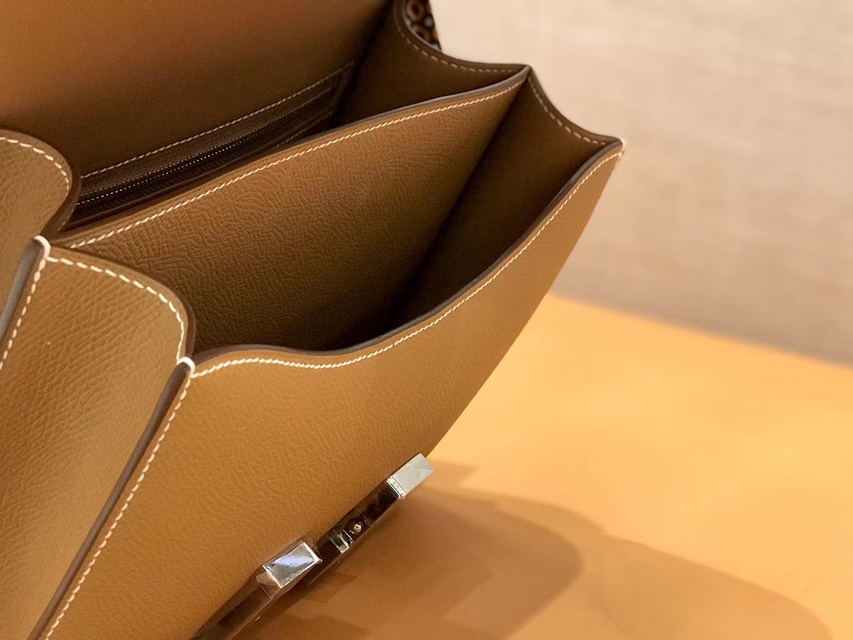 Hermès(爱马仕)康斯坦 Constance 空姐包 金棕色 德国进口牛皮 全手工缝制 银扣 24cm