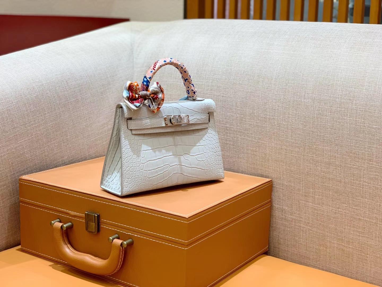 Hermès(爱马仕)Mini Kelly 19cm 珍珠灰 银扣 一级 美洲 鳄鱼皮 臻品级别