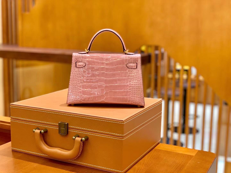 Hermès(爱马仕)Mini Kelly 19cm 樱花粉 金扣 一级 美洲 鳄鱼皮 臻品级别
