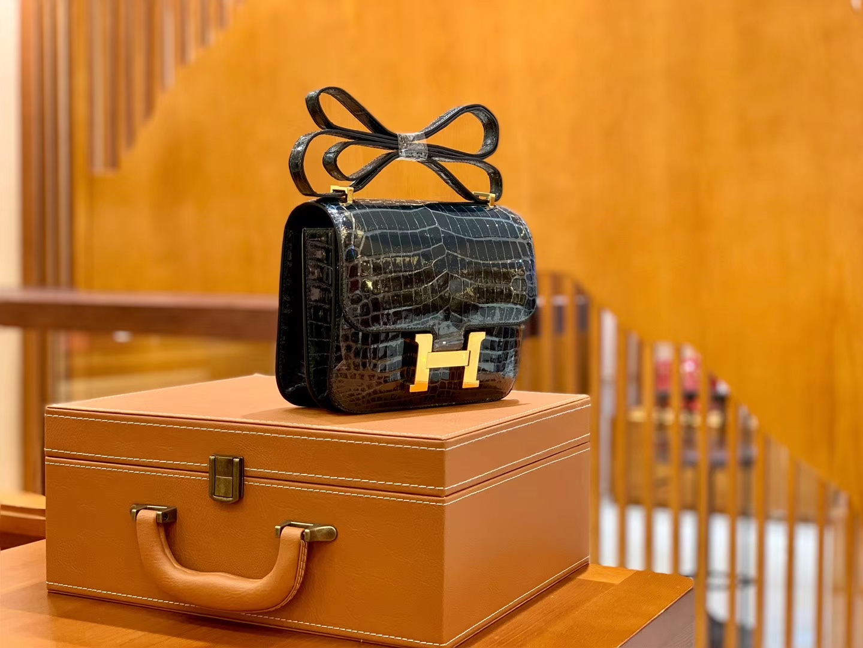 Hermès(爱马仕)Constance 18cm 松柏绿 金扣 尼罗亮面 鳄鱼皮  全手工缝制