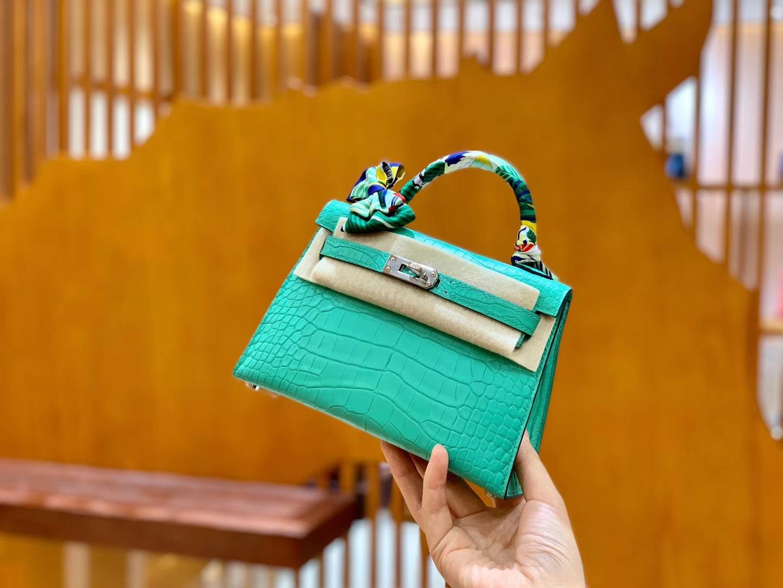 Hermès(爱马仕)Mini Kelly 19cm 薄荷绿 银扣 哑光 美洲鳄鱼皮 全手工缝制
