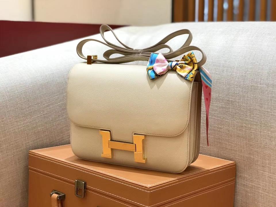 Hermès(爱马仕)康斯坦 Constance 空姐包 奶昔白 德国进口牛皮 全手工缝制 金扣 24cm