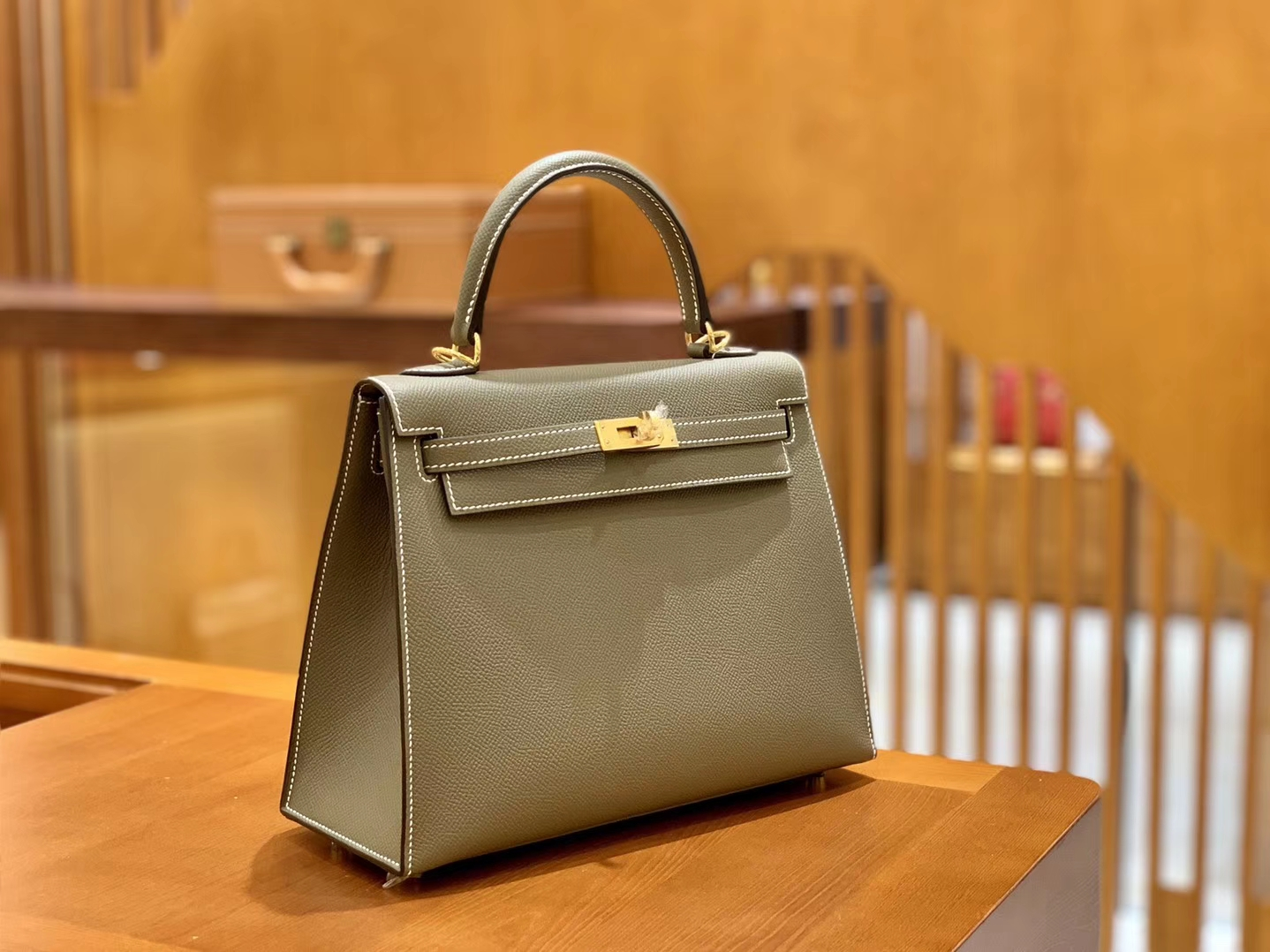 Hermès(爱马仕)Kelly 28cm 大象灰 金扣 Epsom掌纹牛皮 全手工缝制 臻品级别