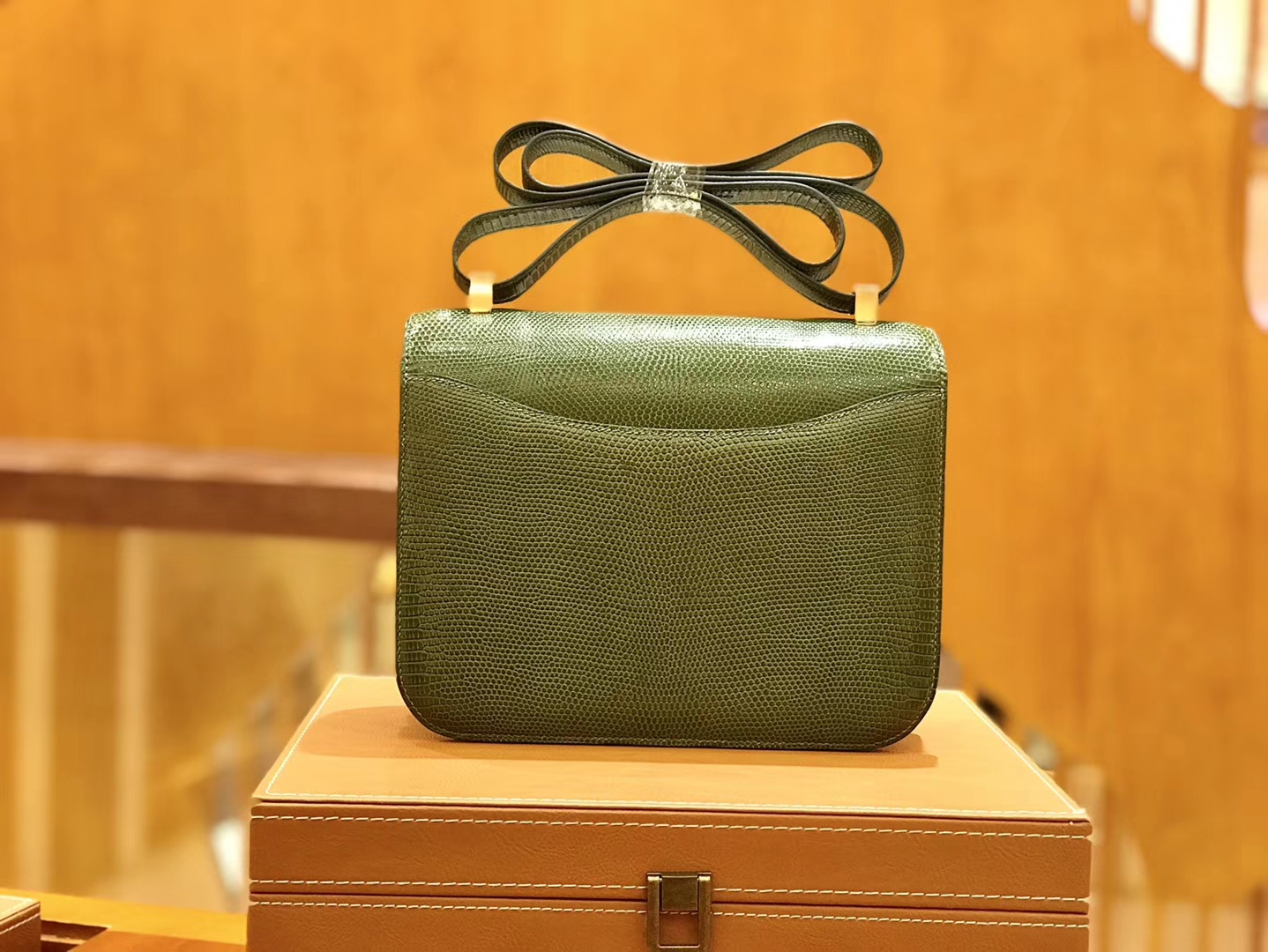 Hermès(爱马仕)Constance 空姐包 蜥蜴皮 橄榄绿 24cm