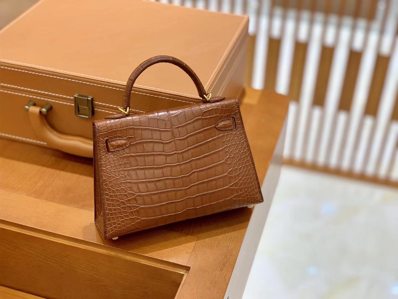 Hermès(爱马仕)Mini Kelly 迷你凯莉 深焦糖棕色 雾面鳄鱼 美洲 臻品级别 金扣 19cm