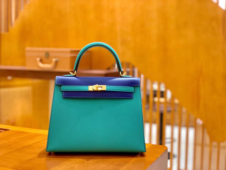 Hermès(爱马仕)Kelly 凯莉包 掌纹牛皮 电光蓝拼维罗纳绿 金扣 25cm