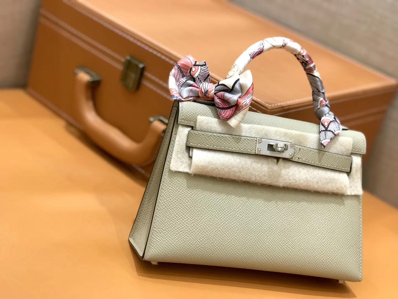 Hermès(爱马仕)Mini kelly 斑鸠灰 掌纹小牛皮 全手工缝制 臻品级别 19cm 银扣 现货