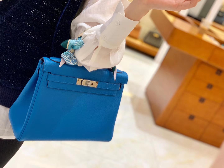 Hermès(爱马仕)Kelly 凯莉包 坦桑尼亚蓝 小牛皮 金扣 28cm