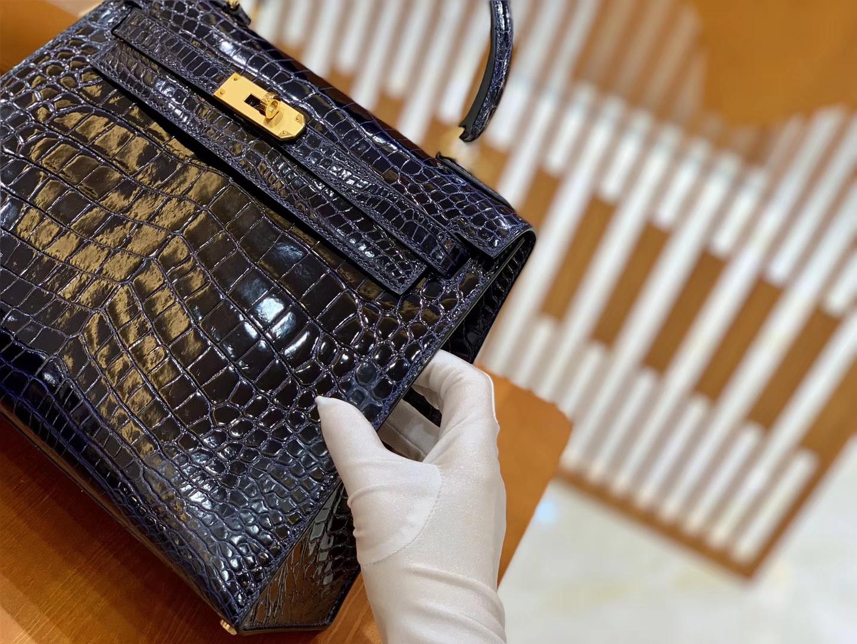 Hermès(爱马仕)Kelly 凯莉包 鳄鱼皮 午夜蓝 金扣 28cm 现货