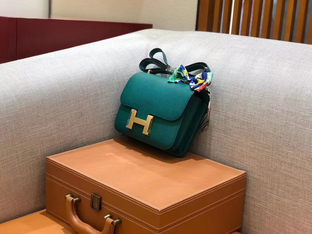 Hermès(爱马仕)Constance 空姐包 孔雀绿 掌纹牛皮 全手工缝制 金扣 18cm 现货