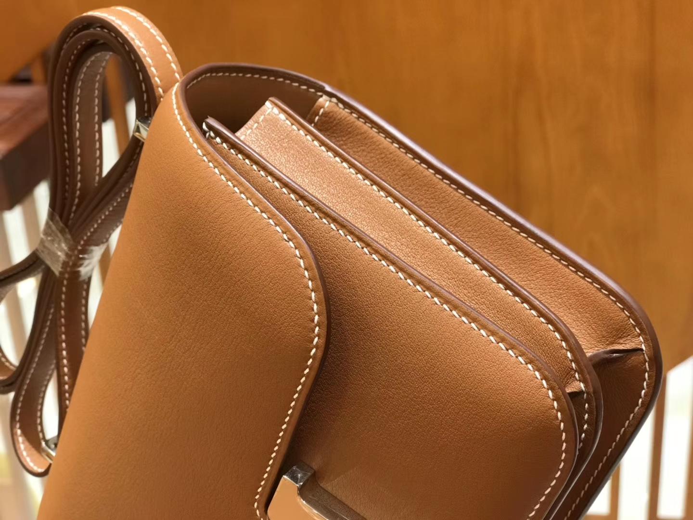 Hermès(爱马仕)Constance 18cm evercolor 牛皮 金棕色 银扣 全手工缝制