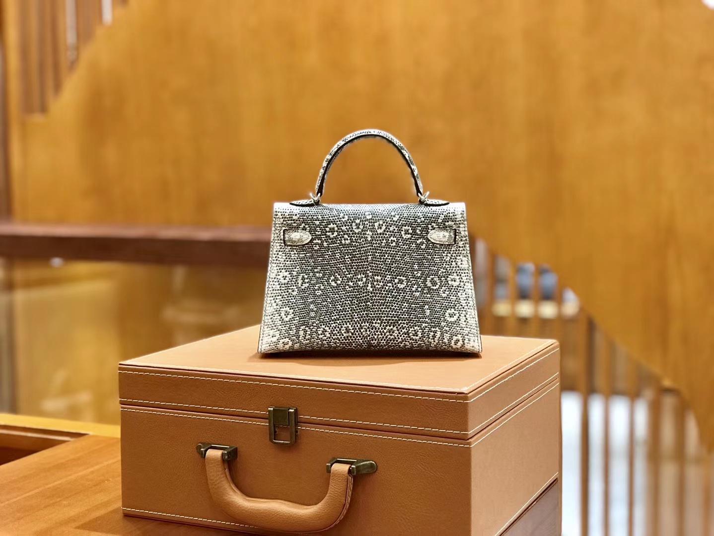 Hermès(爱马仕)迷你2代 19cm 雪花原色 银扣 蜥蜴皮 全手工缝制