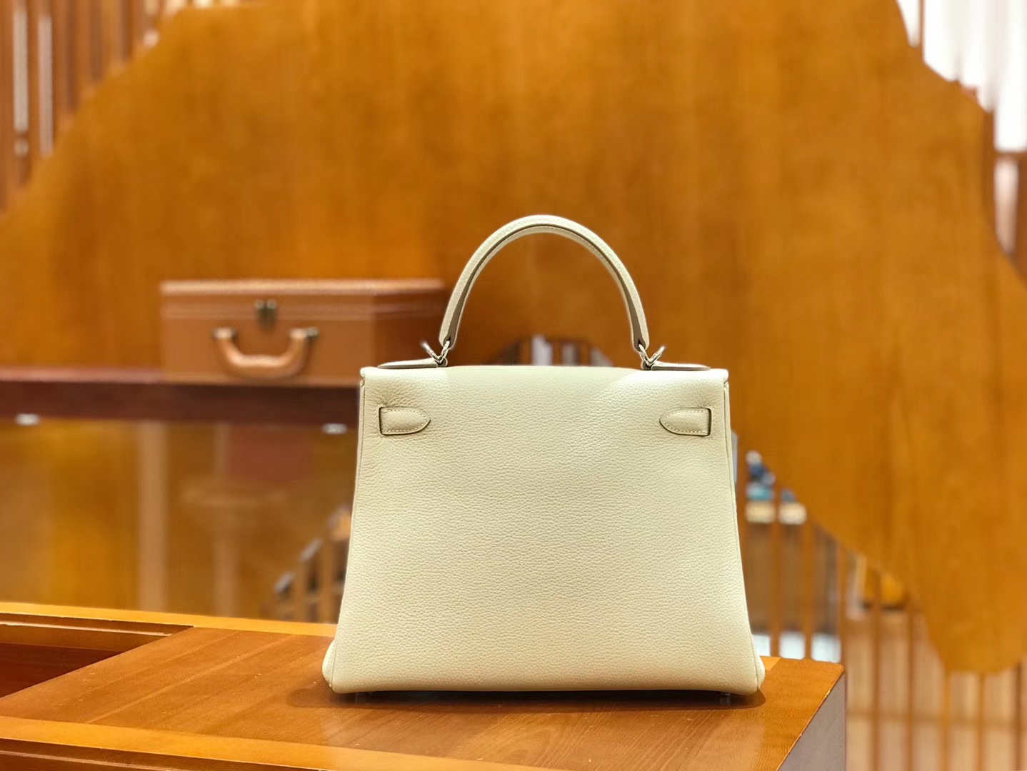 Hermès(爱马仕)Kelly 28cm togo 牛皮 奶昔白 银扣 全手工缝制 现货