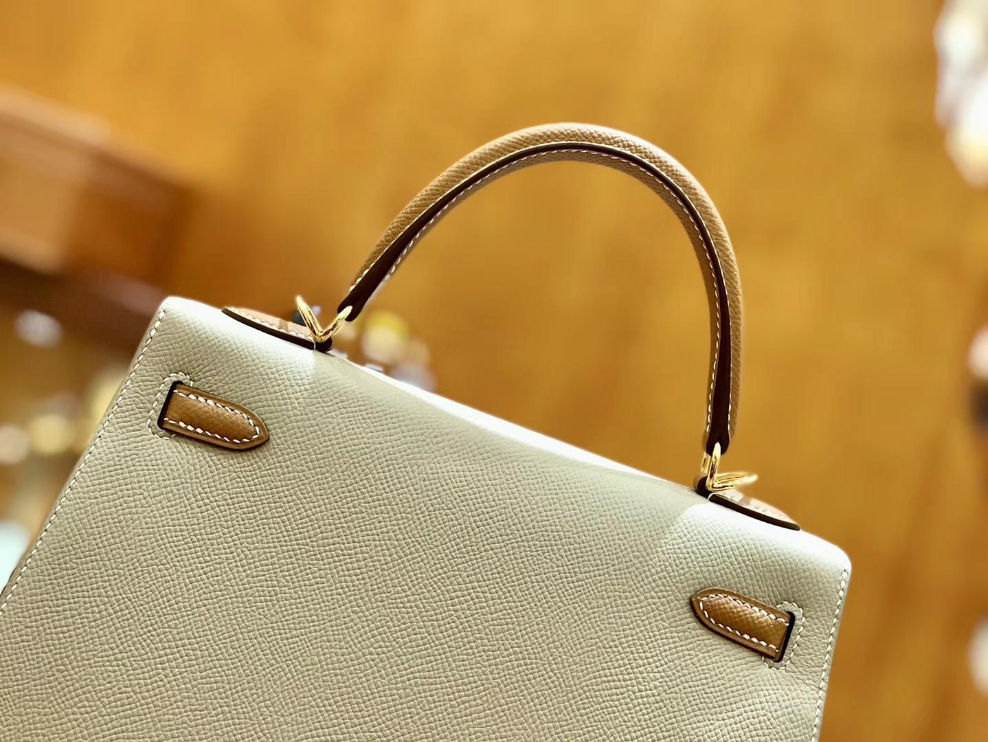 Hermès(爱马仕)Kelly 凯莉包 掌纹牛皮 米黄色拼金棕色 金扣 25cm