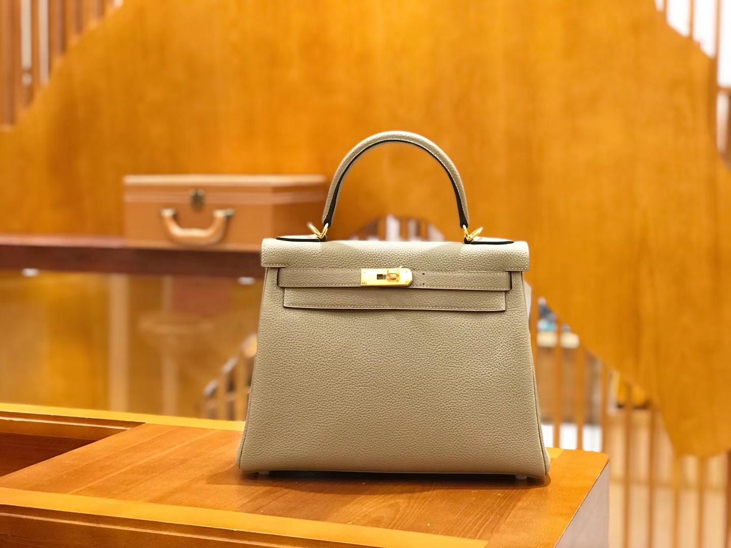 Hermès(爱马仕)Kelly 28cm togo 牛皮 斑鸠灰 金扣 全手工缝制 现货