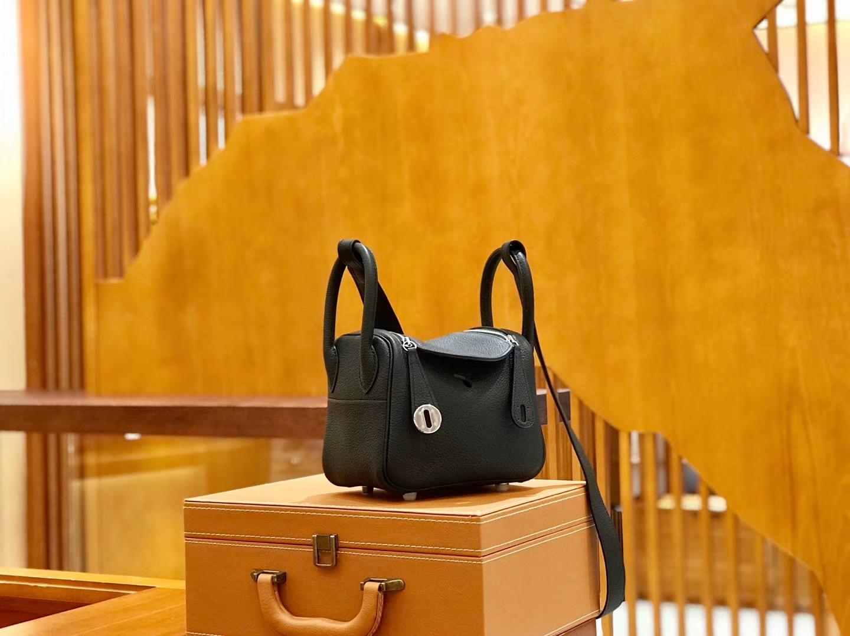 Hermès(爱马仕)Lindy 18cm 经典黑 全手工缝制 小琳迪