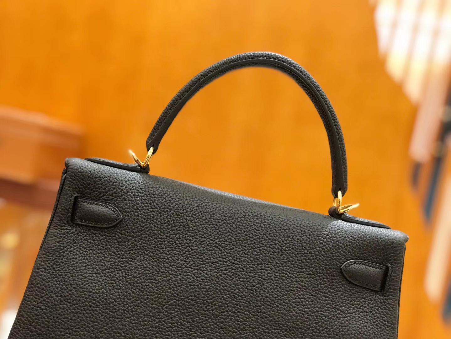 Hermès(爱马仕)Kelly 28cm togo 牛皮 经典黑 金扣 全手工缝制 现货