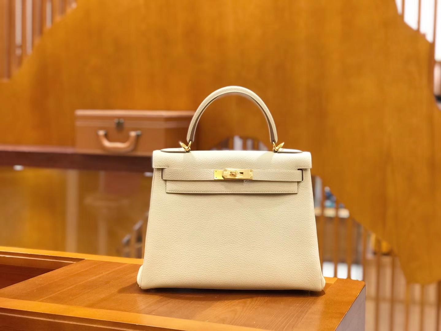 Hermès(爱马仕)Kelly 28cm togo 牛皮 奶昔白 金扣 全手工缝制 现货
