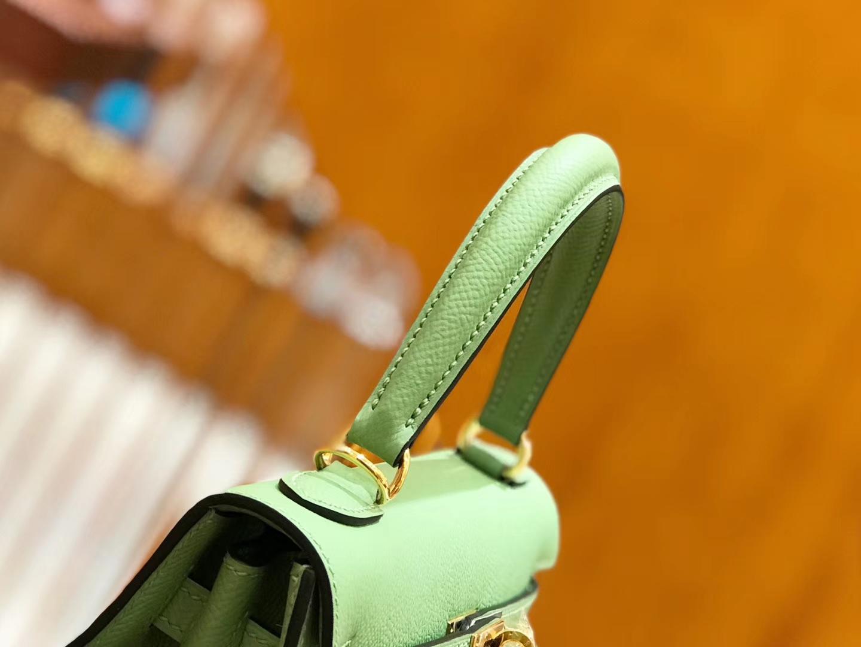 Hermès(爱马仕)Kelly 25cm 牛油果绿 金扣 掌纹牛皮 全手工缝制