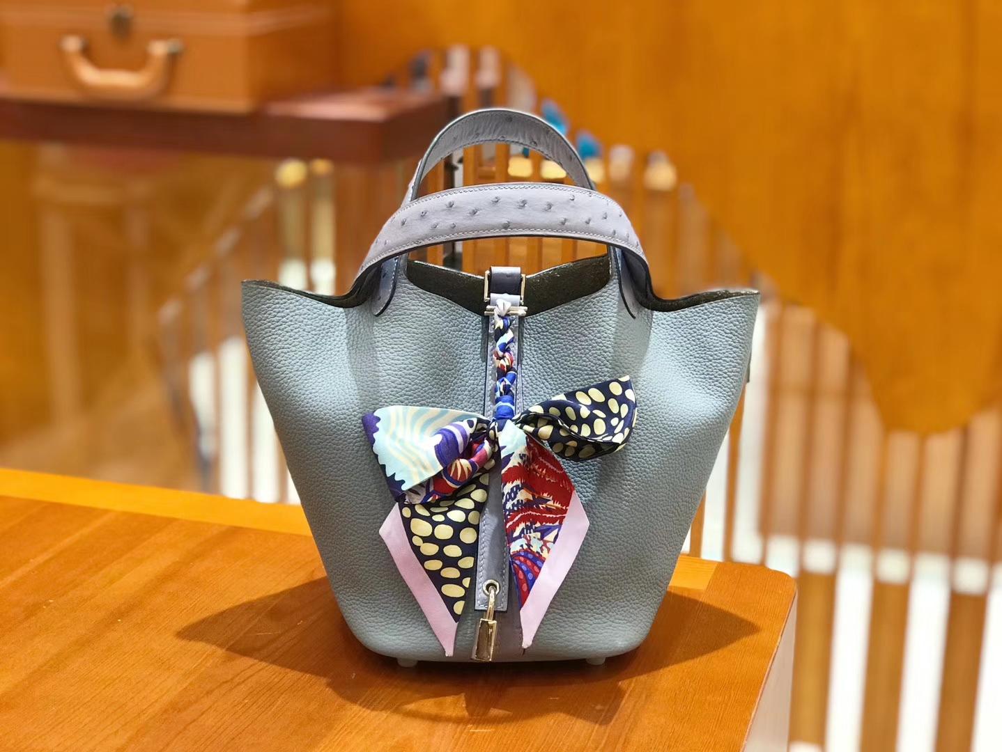 Hermès(爱马仕)Piction 18cm 鸵鸟拼牛皮 冰川蓝 全手工缝制