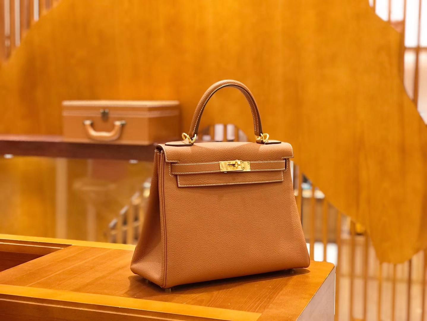 Hermès(爱马仕)Kelly 28cm togo 牛皮 金棕色 金扣 全手工缝制 现货