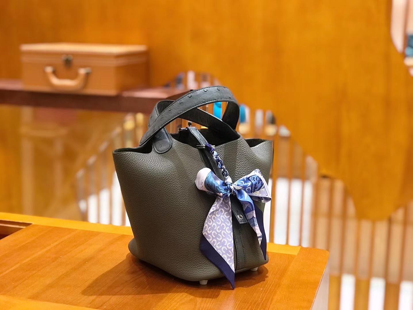 Hermès(爱马仕)Piction 18cm 鸵鸟拼牛皮 锡器灰 全手工缝制
