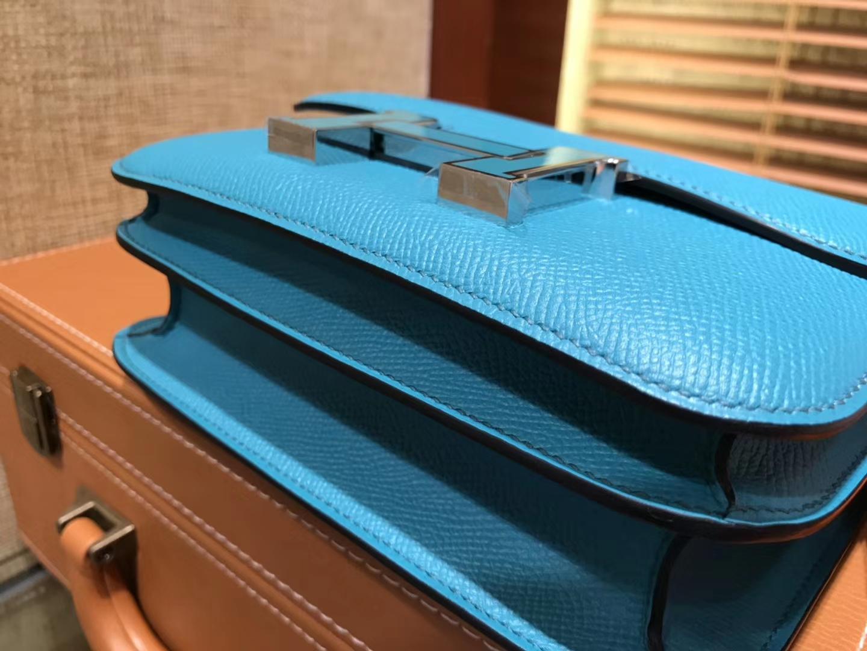 Hermès(爱马仕)Constance 18cm 孔雀蓝 珐琅银扣 掌纹牛皮 全手工缝制 现货