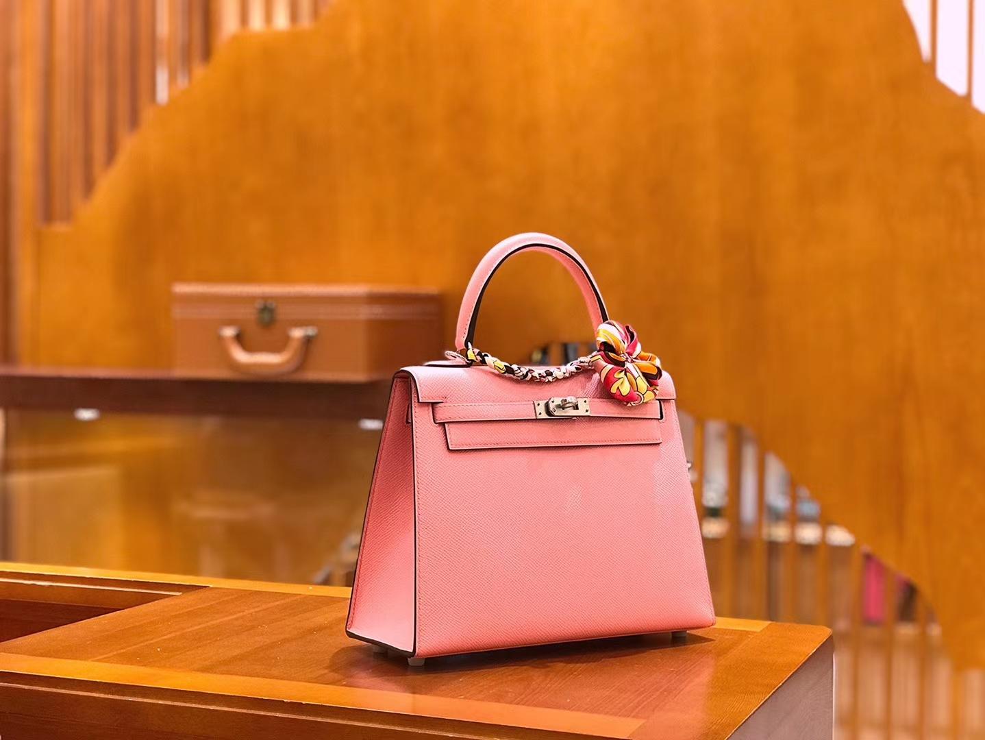 Hermès(爱马仕)Kelly 樱花粉 掌纹牛皮 全手工缝制 银扣 25cm