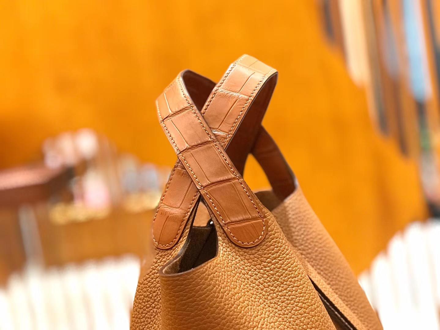 Hermès(爱马仕)Piction 18cm 焦糖棕 银扣 鳄鱼皮拼小牛皮 全手工缝制