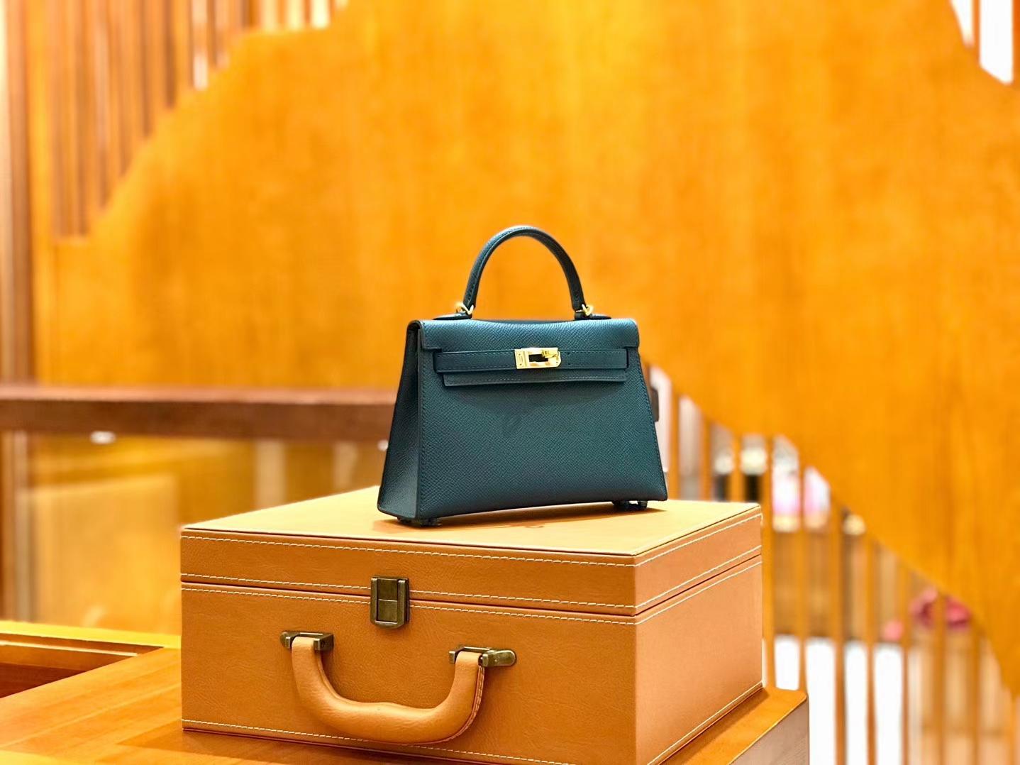 Hermès(爱马仕)新增现货 2代 19cm 蜥蜴皮 伊滋蜜尔蓝 金扣 全手工缝制