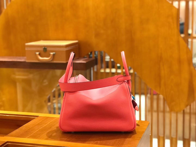 Hermès(爱马仕)Lindy 26cm togo小牛皮 唇膏粉