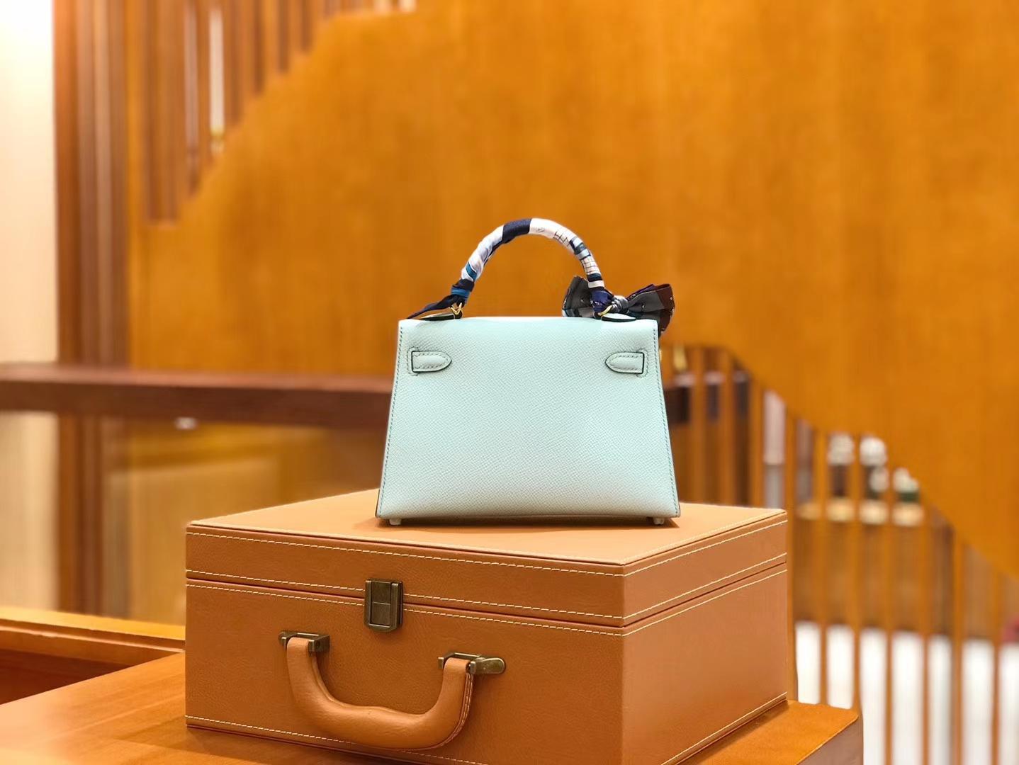 Hermès(爱马仕)Mini Kelly 19cm 微风蓝 金扣 新增现货