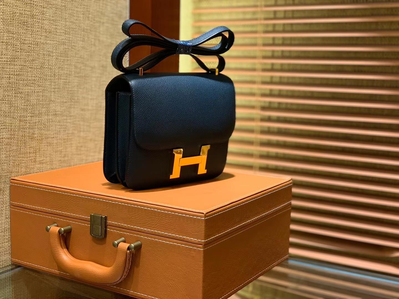 Hermès(爱马仕)Constance 18cm 松柏绿 金扣 掌纹牛皮 全手工缝制 现货