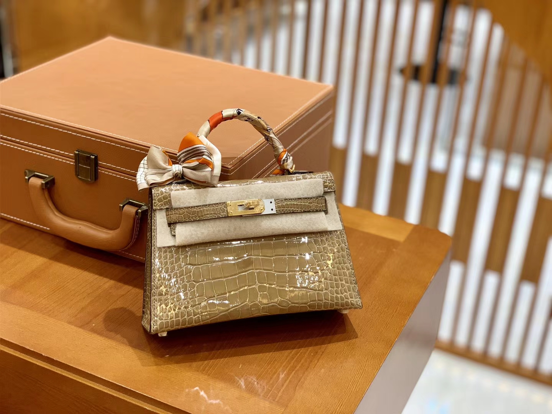 Hermès(爱马仕)迷你 2代 19cm 美洲鳄鱼 沙色 进口 全手工缝制 新增现货