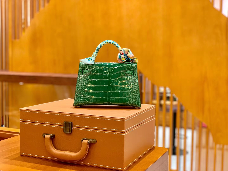 Hermès(爱马仕)迷你 2代 19cm 美洲鳄鱼 仙人掌绿 金扣 全手工缝制 新增现货