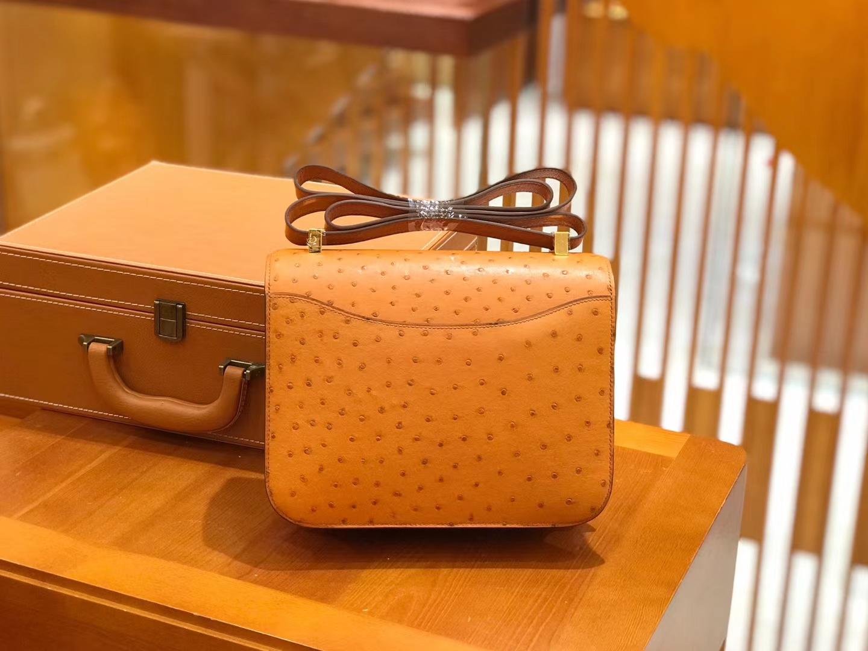 Hermès(爱马仕)Constance 24cm 太妃金 鸵鸟皮 全手工缝制 现货