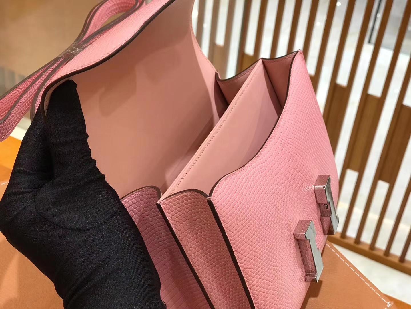 Hermès(爱马仕)Constance 18cm 3Q粉 南非野生蜥蜴皮 银扣 原版蜜蜡线 顶级手缝