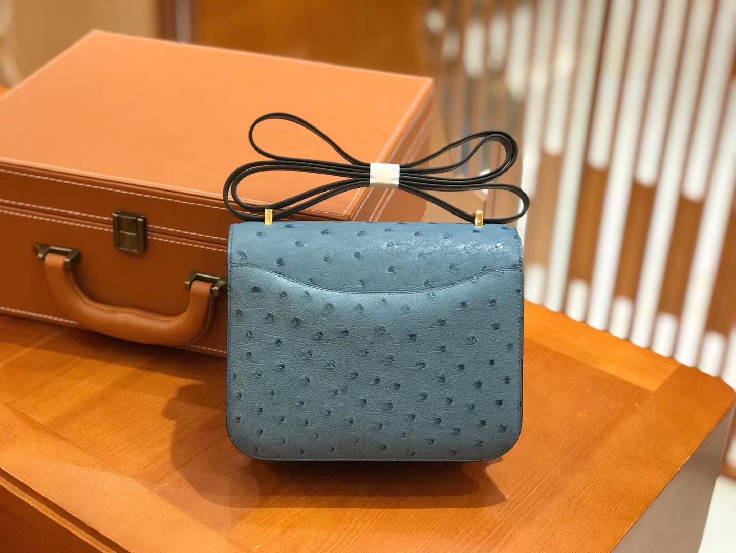 Hermès(爱马仕)Constance 18cm 牛仔蓝 南非KK级鸵鸟皮 金扣 原版蜜蜡线 顶级手缝