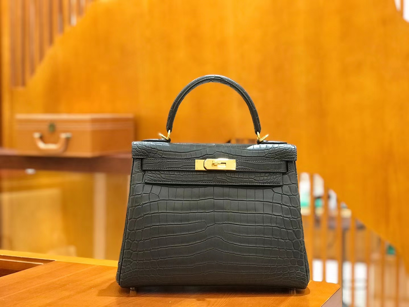 Hermès(爱马仕)Kelly 28cm 石墨灰 金扣 哑光 尼罗鳄鱼皮 全手工缝制 现货