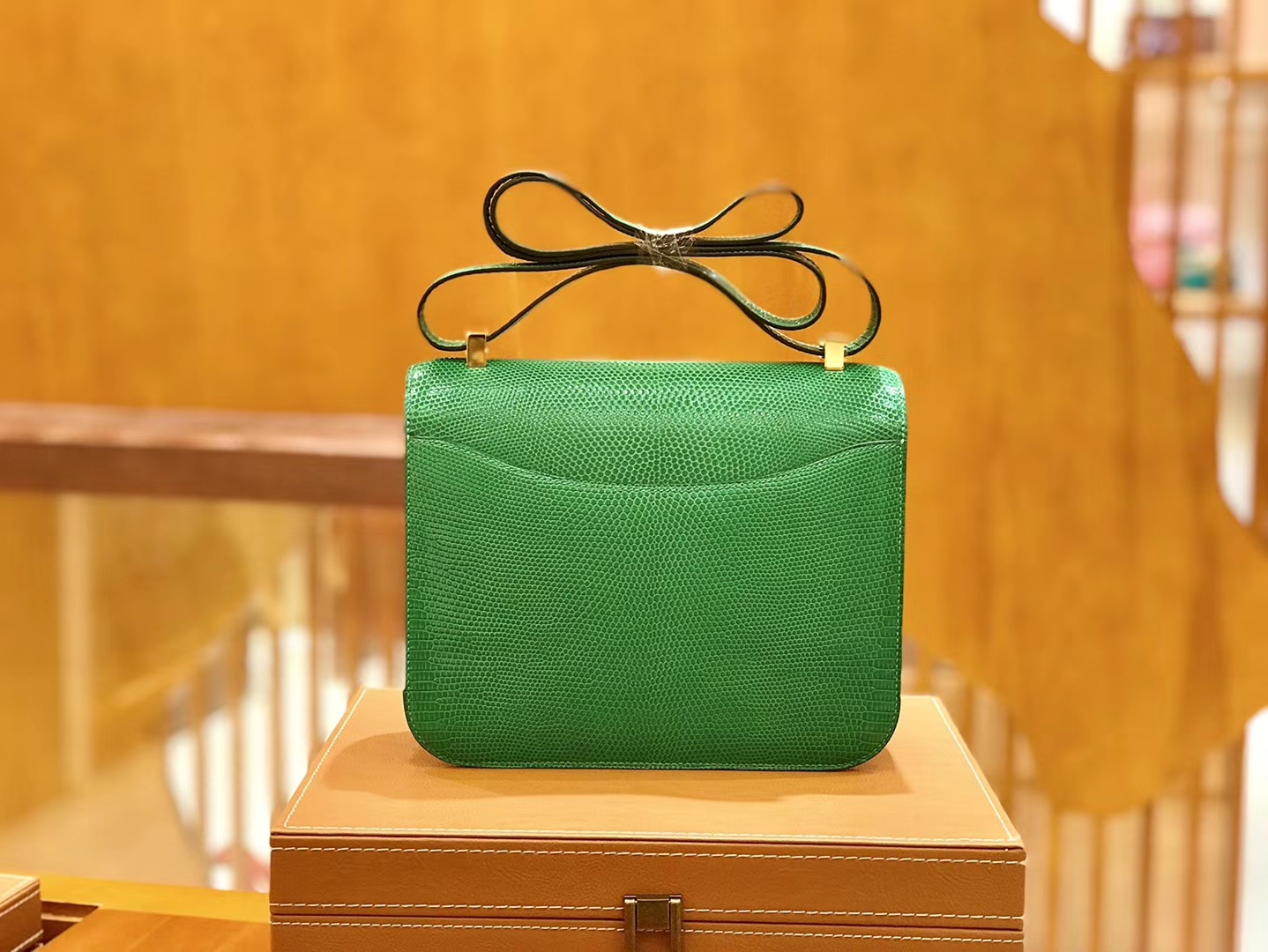 Hermès(爱马仕)Constance 18cm 竹子绿 南非蜥蜴皮 全手工缝制