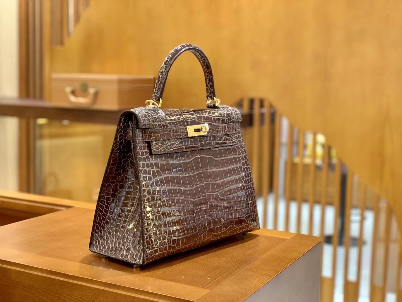 Hermès(爱马仕)Kelly 28cm 板栗棕色 金扣 湾鳄鱼皮 全手工缝制 现货